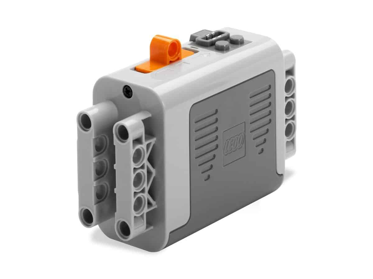 lego 8881 power functions batteriboks scaled