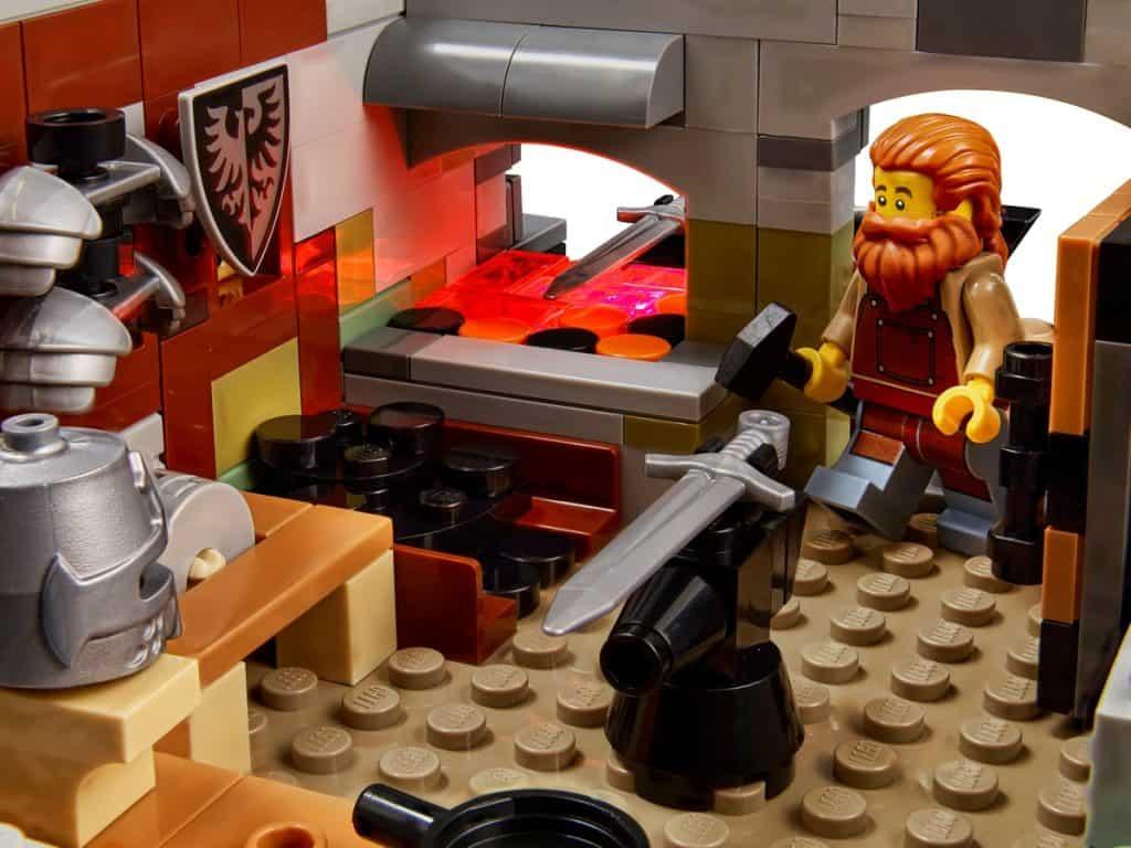 LEGO 21325 Middelaldersmedje - 2